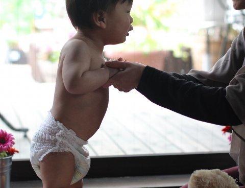 赤ちゃん パンツタイプ おむつ