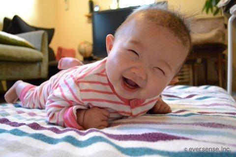 赤ちゃん 寝返り うつ伏せ