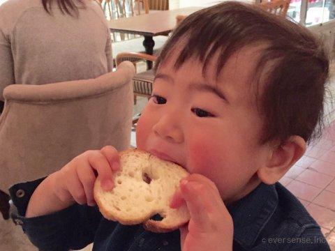 離乳食 食べない 体験談 1歳 パン 食べる オリジナル