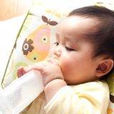 使い捨て哺乳瓶 赤ちゃん