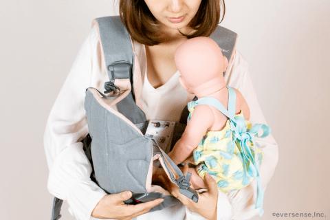 抱っこ紐 赤ちゃん 乗せる