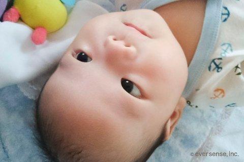 赤ちゃん 顔