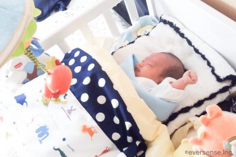 赤ちゃん ベビーベッド 寝顔