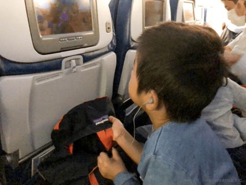 子連れ海外旅行 飛行機