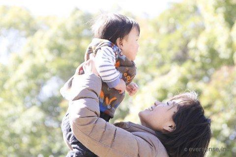 赤ちゃん 抱っこ ママ たかいたかい