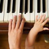 リトミック 親子 ピアノ