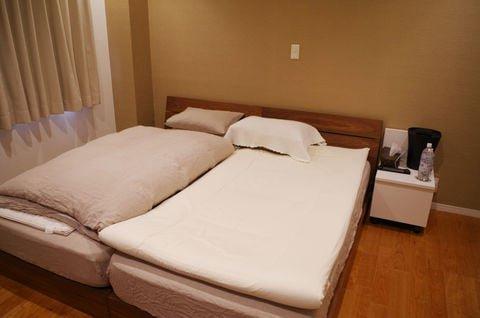 ベッド 寝室