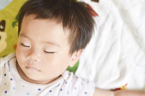 赤ちゃん 昼寝 布団