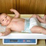 赤ちゃん 体重測定