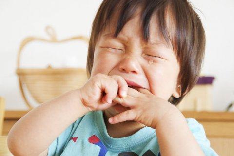 赤ちゃん 虫歯 泣く