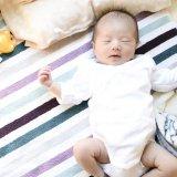 赤ちゃん,手足,バタバタ