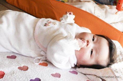 赤ちゃん 指しゃぶり