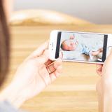 携帯 スマホ ママ 赤ちゃん