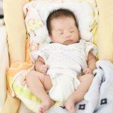 赤ちゃん ハイローチェア 昼寝