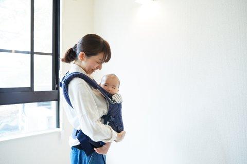 ママ 赤ちゃん 散歩