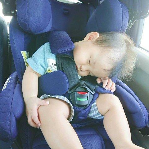 インスタ 赤ちゃん 寝姿勢