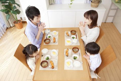 食卓 家 食事 家族