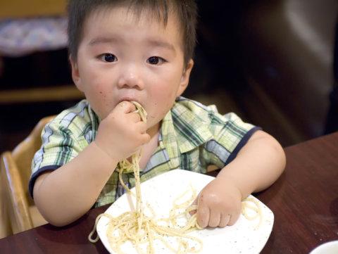 赤ちゃん 手づかみ 食べ